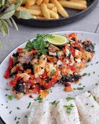 Nikmat! Fish and Chips dengan Paduan Nasi Kuning hingga Sambal Geprek