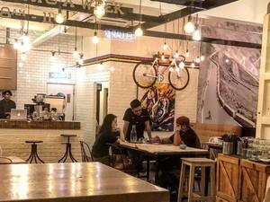 Menjelajah Kafe Instagramble Bertema Sekolahan Hingga Sepeda yang Unik