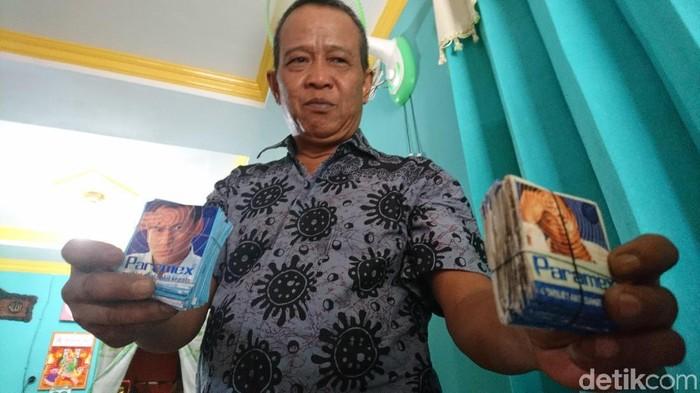 Pria ini mengaku sudah 29 tahun kecanduan obat sakit kepala (Foto: Muhammad Iqbal/detikHealth)
