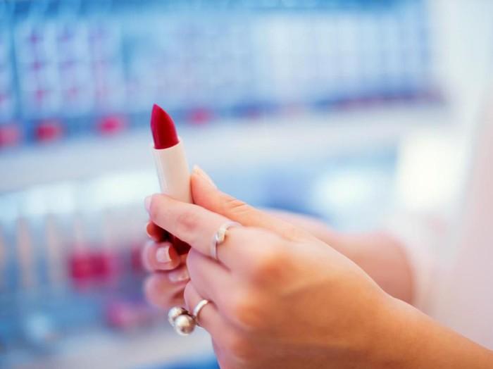 Ilustrasi makeup. Foto: iStock