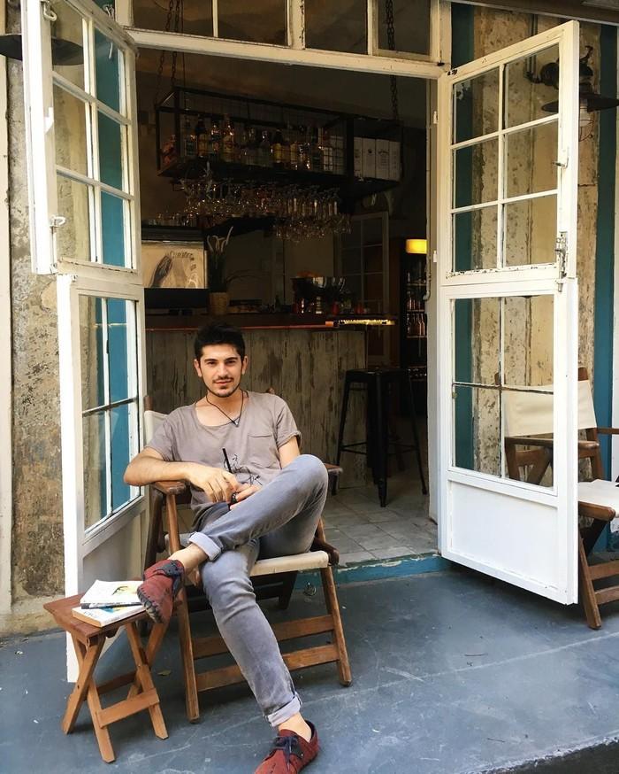 Awalnya banyak yang menyangka bahwa pria asal Turki ini merupakan rekan duet Ayu. Pahahal rekan duetnya merupakan artis asal Turki bernama Keremcem. Foto: Instagram tanerurc