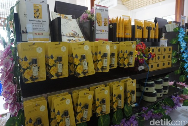 Traveler bisa membeli kopi, lotion, sabun mandi, krim dan aneka olahan lainnya (Shinta/detikcom)