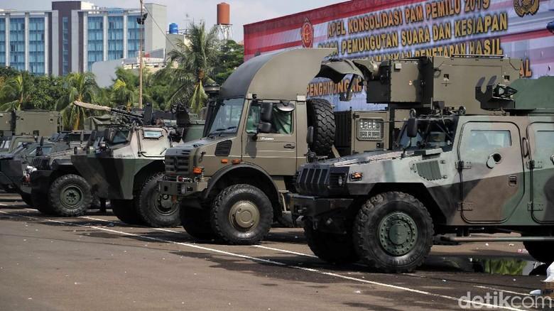 Alutsista TNI Mejeng di Apel Pengamanan Pasca Pemilu 2019