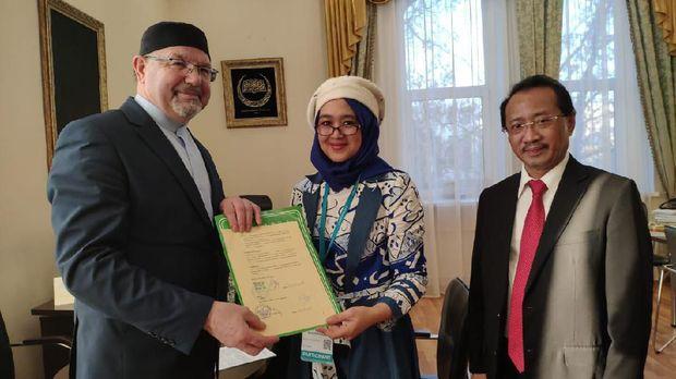 Penandatanganan MoU kerja sama antara UIKA Bogor dengan Universitas Islam Rusia (RIU) di Kazan (24/4).