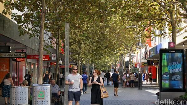 Untuk yang suka shopping, begitu banyak tempat wisata di Perth yang menawarkan kenikmatan berbelanja. Salah satunya di Central Bussines District (CBD) Perth (Masaul/detikcom)