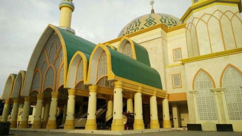 Wisata Religi di Lombok, Kunjungi Masjid Hubbul Wathan