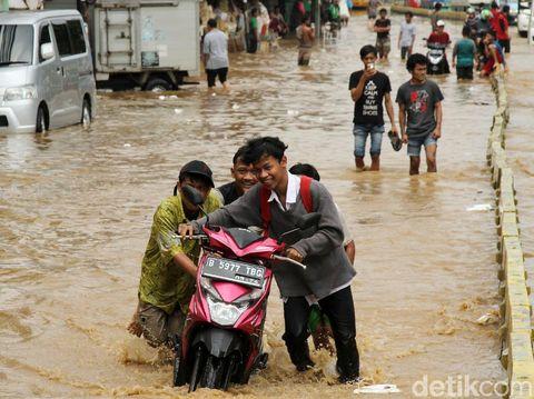 Gugatan Kandas, Ini Argumen 'Gusur untuk Normalisasi Sungai' ala Ahok