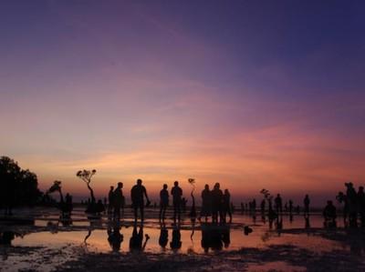 Selalu Indah Melihat Senja dari Sumba