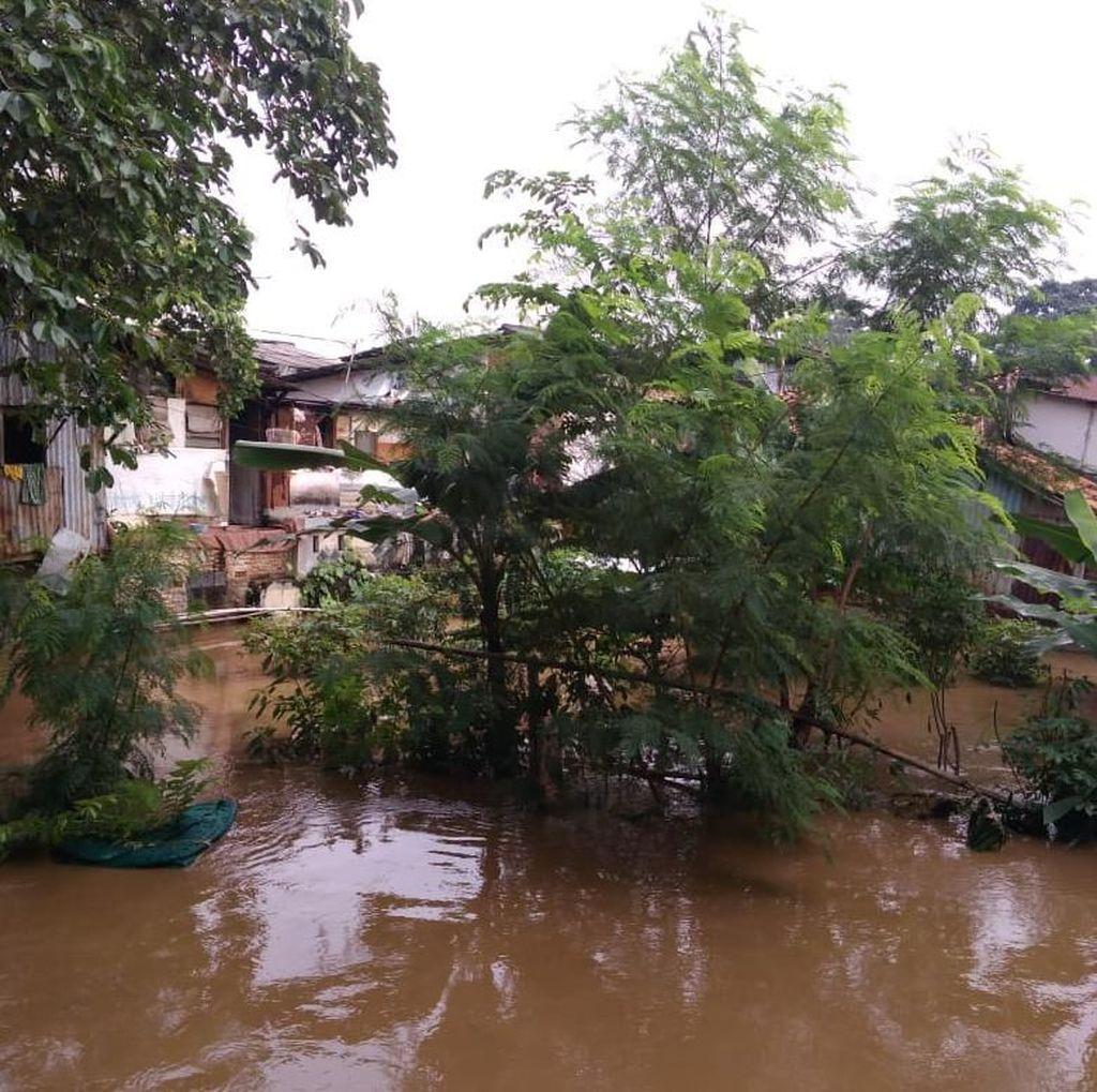 Banjir 2,5 Meter Rendam Rawajati, 1.325 Warga Terdampak