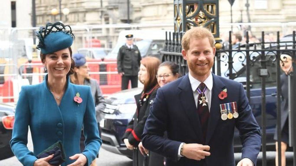 Potret Manis Kekompakan Kate Middleton & Pangeran Harry Tampil Bersama
