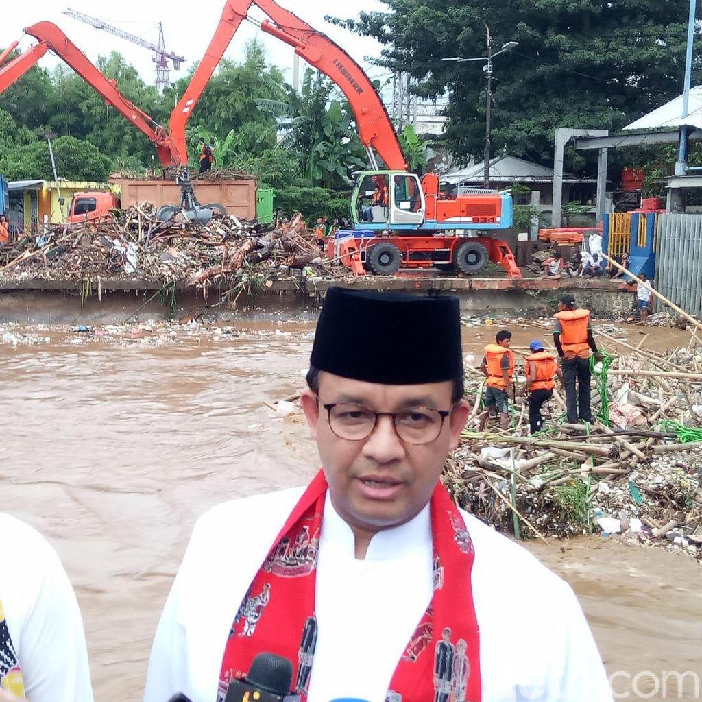 Video Anies Pantau Pintu Air Manggarai: Sampahnya Sampai 170 Ton