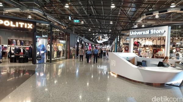 Mulai dari Nike, Adidas, Timberland, The North Face hingga produk high end lainnya ada di sini. Lokasinya di samping Bandara Perth (Masaul/detikcom)