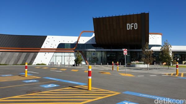 Direct Factory Outlets (DFO) adalah toko factory outlet yang paling besar di Australia Barat. Semua brand internasional dijual dengan harga murah (Masaul/detikcom)
