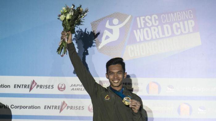 Alfian M Fajri Juara di Piala Dunia Panjat Tebing nomor speed di Chongqing. (Foto: Humas FPTI)