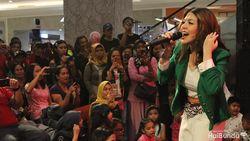 Tina Toon Gaungkan Save Lagu Anak