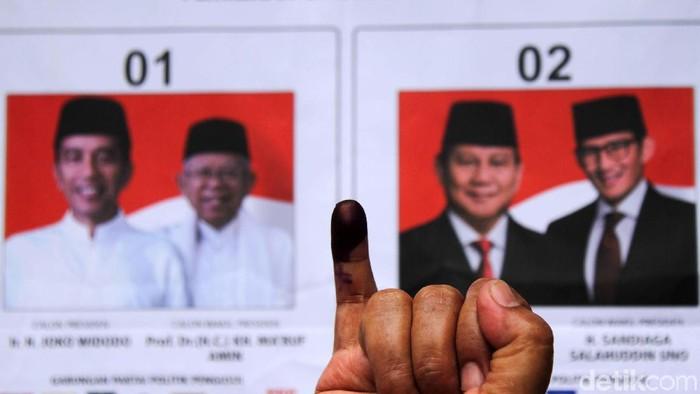 11 TPS di Jakarta melakukan pemungutan suara ulang. Salah satunya adalah TPS 002, Pasar Baru, Jakarta Pusat. Begini prosesnya.