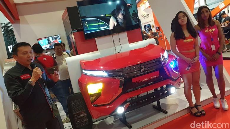 Lampu LED Autovision di IIMS 2019. Foto: Luthfi Anshori