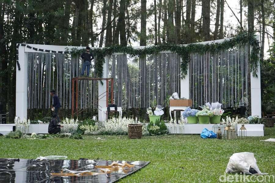 So Pretty! Yuk Intip Lokasi Pernikahan Ammar Zoni dan Irish Bella