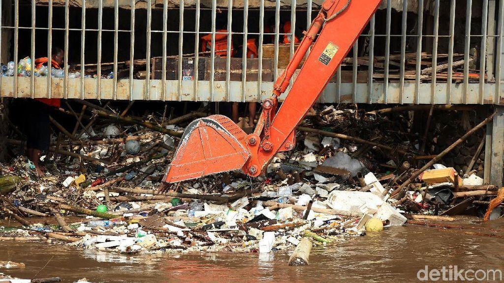 Menengok Jakarta, Ibu Kota yang Sedang Sakit