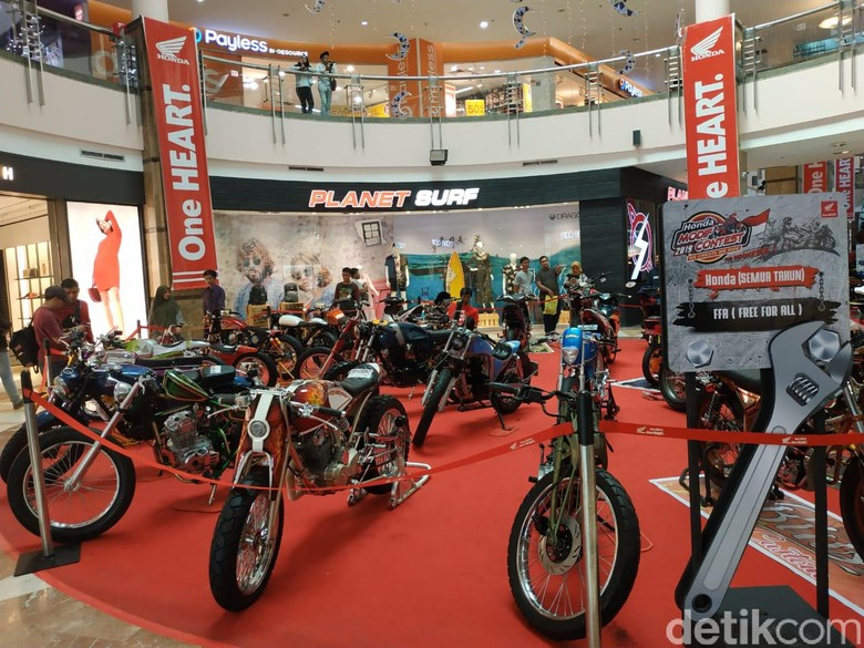 Kontes modifikasi motor Honda. Foto: Ridwan Arifin