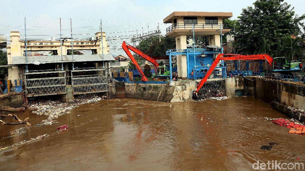 Dari Udara, Sang Pengendali Air di Manggarai