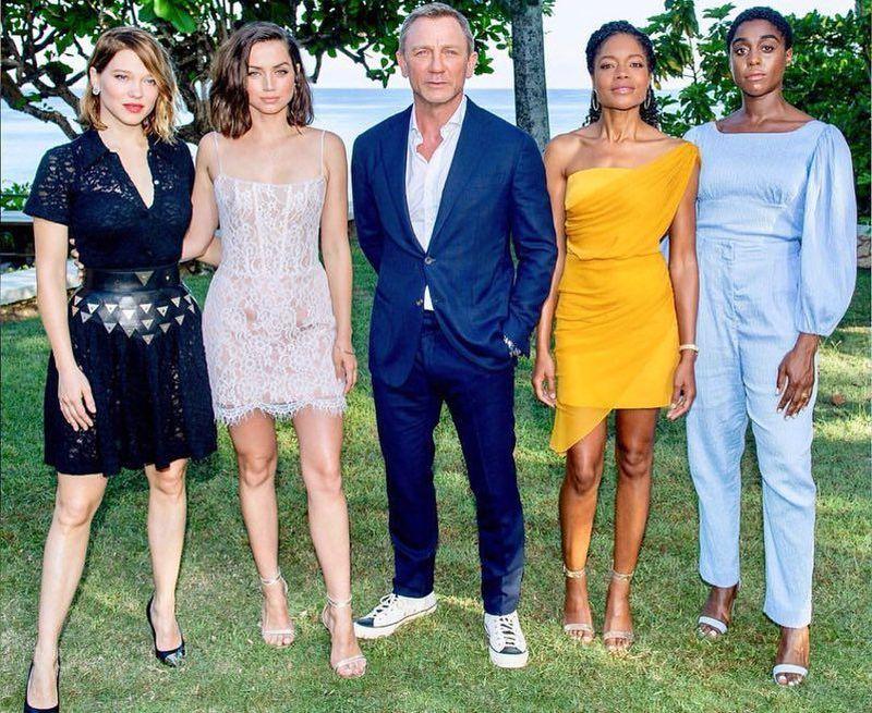 Ana akan bersandingan dengan aktor Daniel Craig yang kembali mendapat kepercayaan untuk memerankan agen rahasia 007 tersebut (Instagram/ana_d_armas)