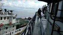 Tangkap Maling Ikan di Natuna, Kapal TNI AL Ditabrak Kapal Vietnam