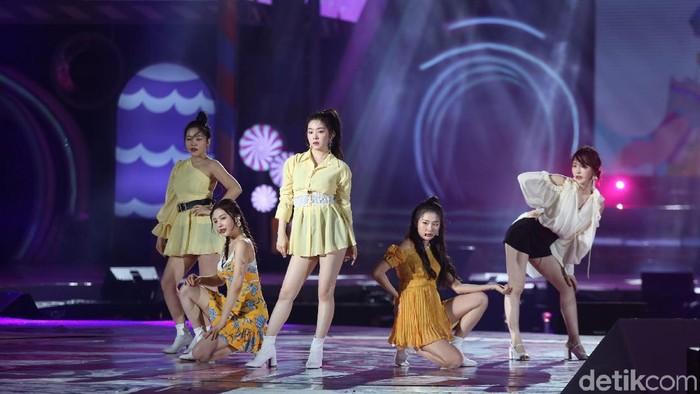 Red Velvet saat tampil di Korean Wave 2019. Foto: (Agung Pambudhy/detikcom)