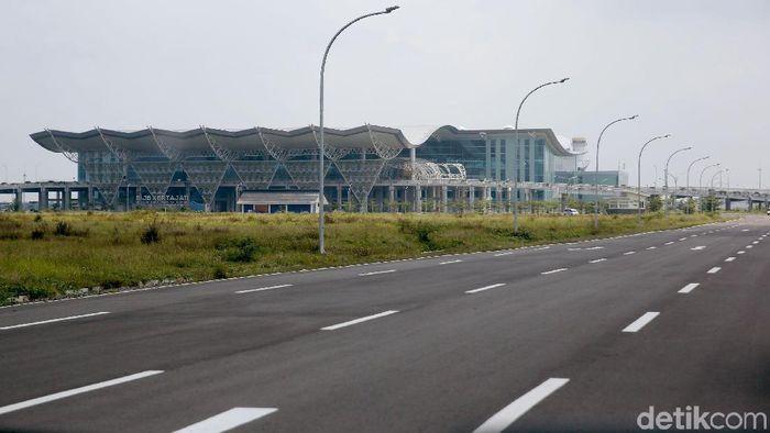 Bandara Kertajati sudah beroperasi sejak beberapa bulan lalu. Yuk lihat dari dekat berbagai sisi bandara ini.