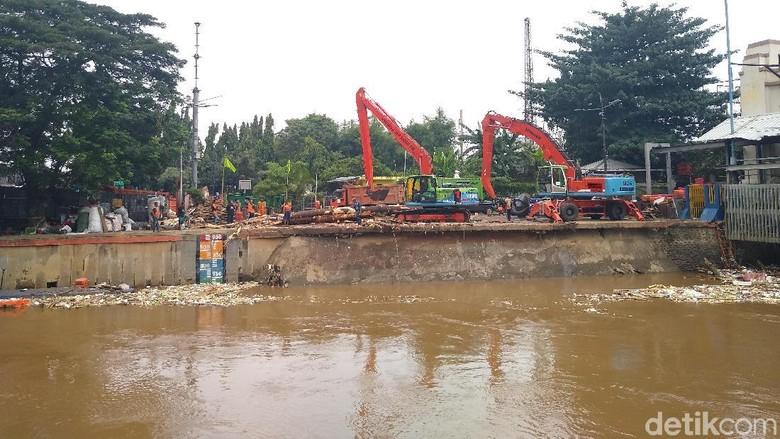 Bogor Diprediksi Hujan, BPBD DKI Bikin Imbauan bagi Wilayah Sekitar Sungai