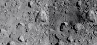 Perbandingan permukaan Ryugu sebelum (kiri) dan setelah (kanan) diledakkan oleh Hayabusa 2.