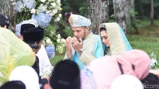 Kemesraan Ammar Zoni dan Irish Bella Setelah Resmi Jadi Suami-Istri
