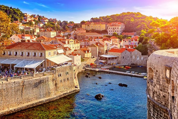 Peringkat kedelapan diraih oleh Kroasia, di mana jumlah turis per tahunnya adalah 15,6 juta. Sedangkan warganya hanya 4,1 juta jiwa saja (iStock)