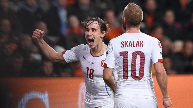 Klub Turki Berikan Penghormatan Terakhir Pemain Timnas Ceko