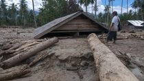 Banjir Bandang Timbun Ratusan Rumah di Sigi Sulteng