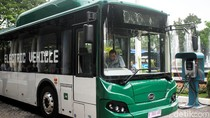 Video Anies Jajal Bus Listrik TransJ dari Balai Kota ke Bundaran HI