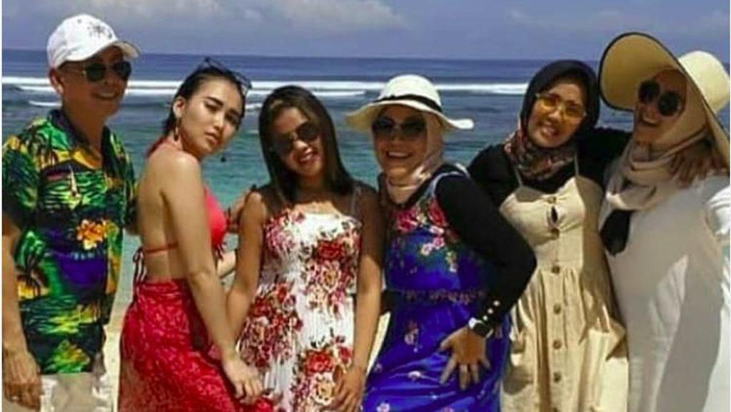 Baru Pulang Umrah, Ayu Ting Ting Liburan Pakai Bikini Langsung Tuai Komentar