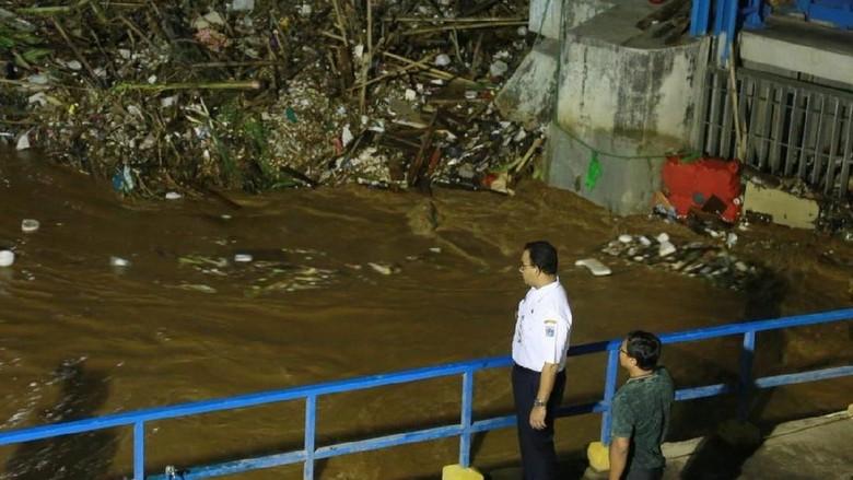 Komparasi Era Ahok vs Anies Mengemuka Pasca Banjir Jakarta