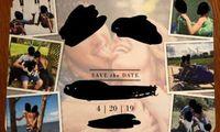 Undangan pernikahan pasangan ini dihujat karena tampilkan foto intim