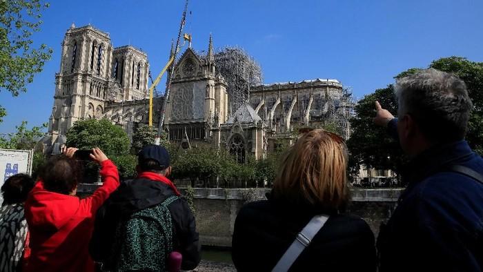 Penampakan Terkini Renovasi Gereja Notre Dame Paris. (Foto: REUTERS/Gonzalo Fuentes)