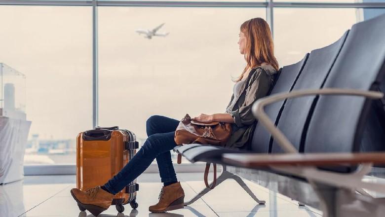 Ilustrasi wanita di bandara (iStock)