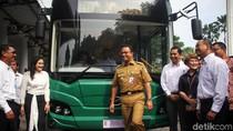 Jajal Bus Listrik Transjakarta, Anies Senang Banget