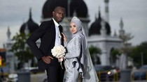 Potret Mesra Pasangan Beda Benua, Bertemu Saat Si Wanita Menangis di Mall