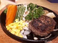 Palmier: Puas Makan Hamburg Steak 120 Gram di Kafe Jepang Klasik