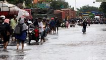 Banjir Mulai Surut, Jalan Pantura Pasuruan Kembali Dibuka