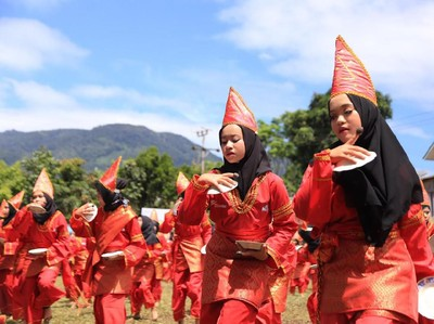 Tari Piring Berasal dari Sumatera Barat, Begini Cara Menarinya