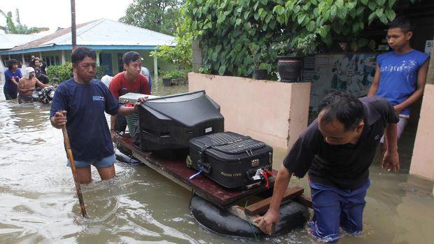 1.600 Orang Mengungsi Karena Banjir, Anies: Pak Ahok 200 Ribu