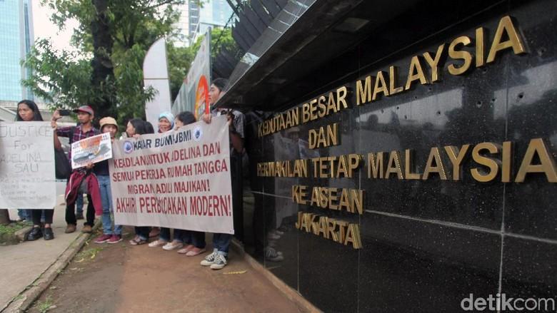 Massa Sambangi Kedubes Malaysia Tuntut Keadilan Untuk TKI
