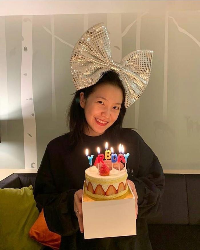 Sukses dalam konser Korean Wave 2019 di BSD, personel Red Velvet jadi sorotan. Salah satunya Yeri yang merupakan personel paling muda di grup besutan SM Entertainment ini. Foto: Instagram redvelvet_yeri
