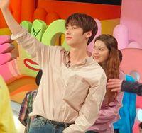 Pengakuan Artis K-pop yang Gila Kebersihan dan Ngaca 50 Kali Sehari